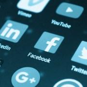 social-media-app-icons-on-phone